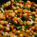 moroccan-food-garbanzo-beans-and-raisins