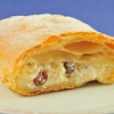 hungarian-food-túrós-rétes-cheese-strudel