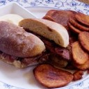 portuguese-food-prego-no-pao-garlic-steak-sandwiches