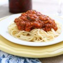 slow-cooker-recipes-beefy-pasta-sauce