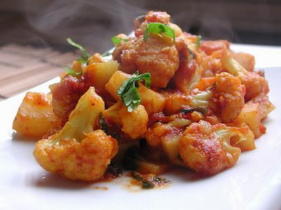 slow-cooker-recipes-cauliflower-and-potato-curry