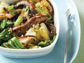 cambodian-food-stir-fried-bok-choy-and-mushrooms